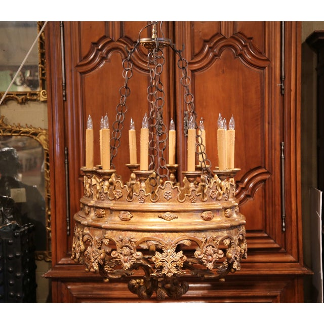 Wood Monumental 20th Century Italian Carved Giltwood Twelve-Light Oval Chandelier For Sale - Image 7 of 9