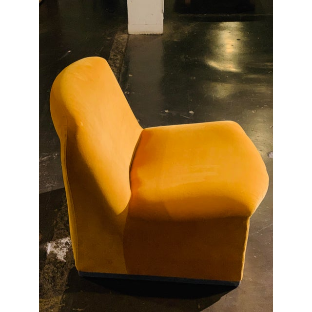 "Mid-Century Modern 1970s Giancarlo Piretti ""Alky"" Chair in Goldenrod Velvet For Sale - Image 3 of 12"