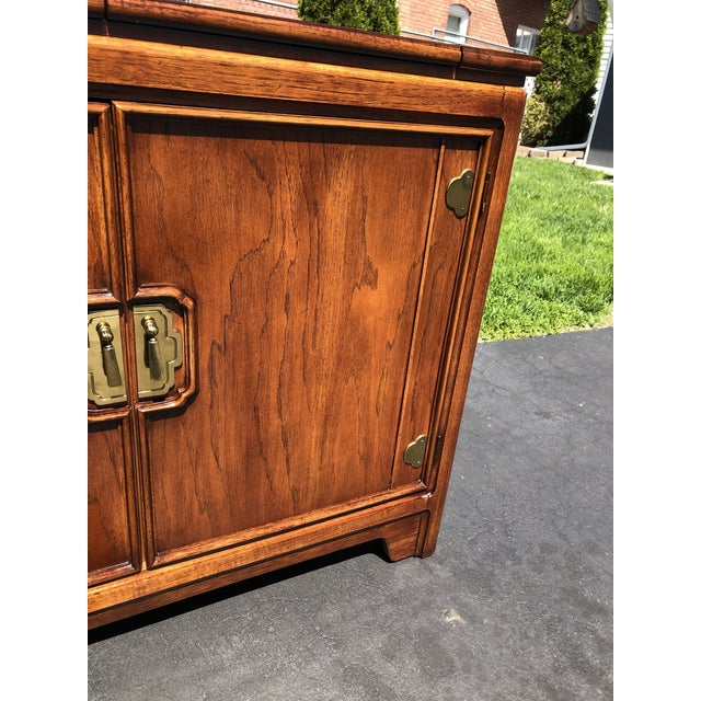 Metal 1970s Thomasville Asian Style Flip Top Bar Cabinet For Sale - Image 7 of 13