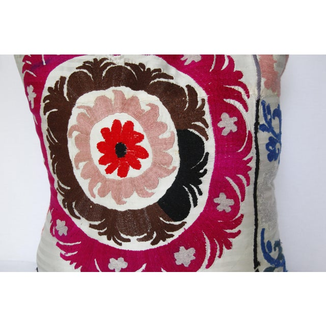 1970s Boho Chic Decorative Needlework Throw Sofa Pillow Cover For Sale In Baltimore - Image 6 of 12