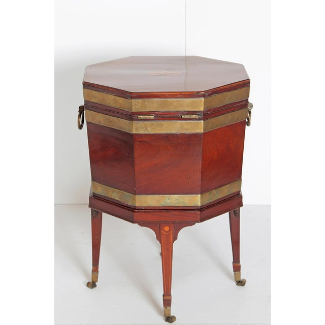 George III Mahogany and Brass Cellarette For Sale - Image 4 of 13