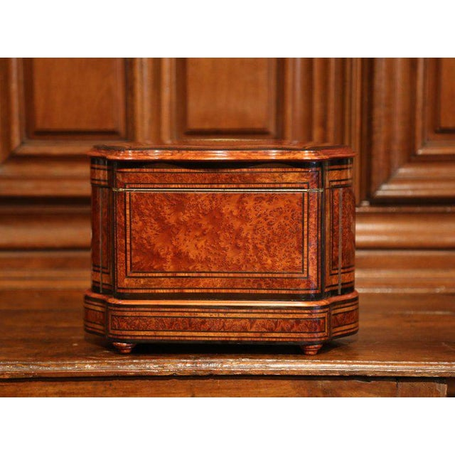 French Important 19th Century French Napoleon III Walnut & Burl Cave a Liqueur Tantalus For Sale - Image 3 of 11