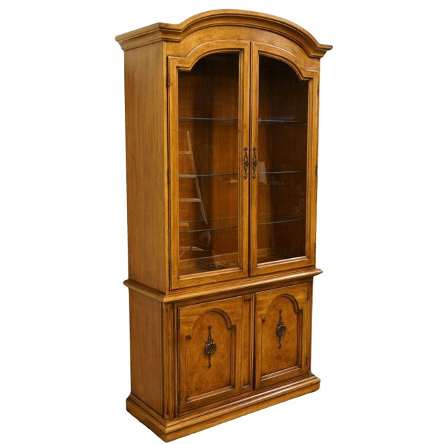 """20th Century Traditional Thomasville Huntley Furniture Romano Collection Italian Neoclassical 42"""" Display China Cabinet For Sale"""