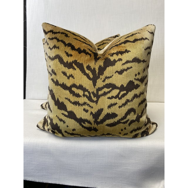 """Scalamandre """"Tiger"""" Brown on Gold"""" Velvet 22"""" Pillows-A Pair For Sale In Greensboro - Image 6 of 6"""