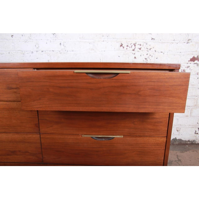 """Metal Kent Coffey """"The Tableau"""" Mid-Century Modern Walnut Six-Drawer Long Dresser or Credenza For Sale - Image 7 of 12"""