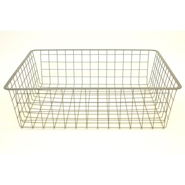 Offered is a vintage wire crate. Great for storing blankets or pillows.