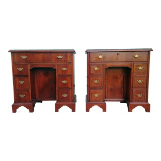 Hickory Chair Mahogany Mount Vernon Bureau Tables - a Pair For Sale