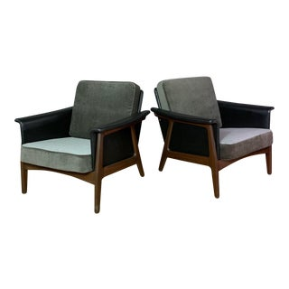 Pair Danish Design Black Naugahyde Wrapped Lounge Chairs For Sale