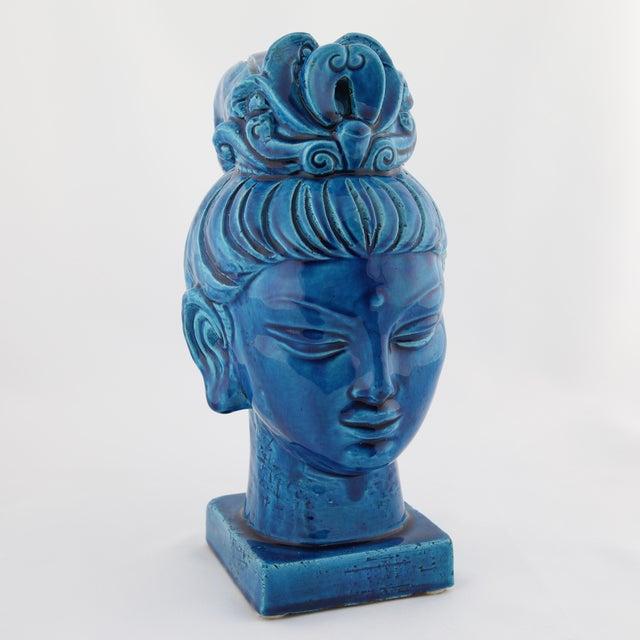 "Modern ""Rimini Blu"" ceramic Guan Yin bust by Aldo Londi for Bitossi, circa 1960s For Sale - Image 3 of 13"