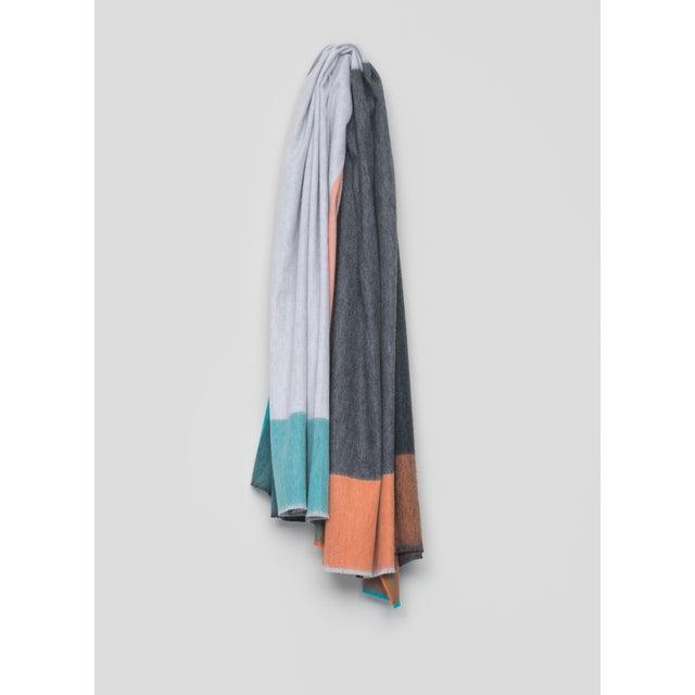 Contemporary Arran Keppie Cashmere Throw, Light Gray For Sale - Image 3 of 3