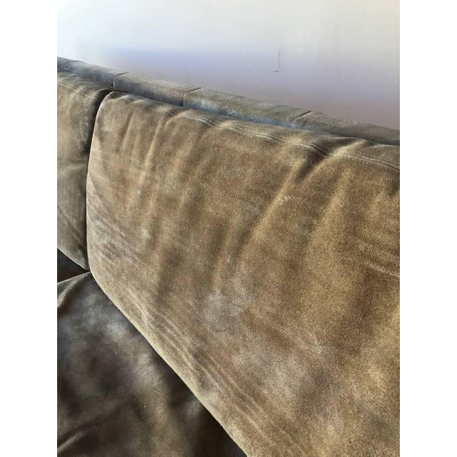 1970s Jack Cartwright Sling Loveseat in Original Suede Upholstery For Sale In Seattle - Image 6 of 10