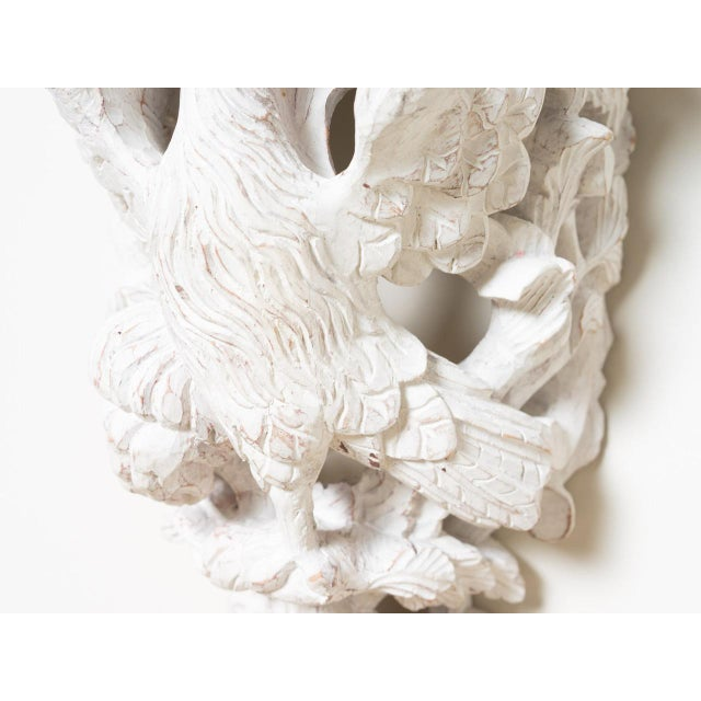 Traditional 1890s Traditional Style Off-White Wood Eagle Bracket Left For Sale - Image 3 of 6