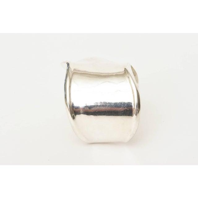 Modern Los Ballesteros Hallmarked Sterling Silver Sensual Sculptural Bone Cuff Bracelet For Sale - Image 3 of 11