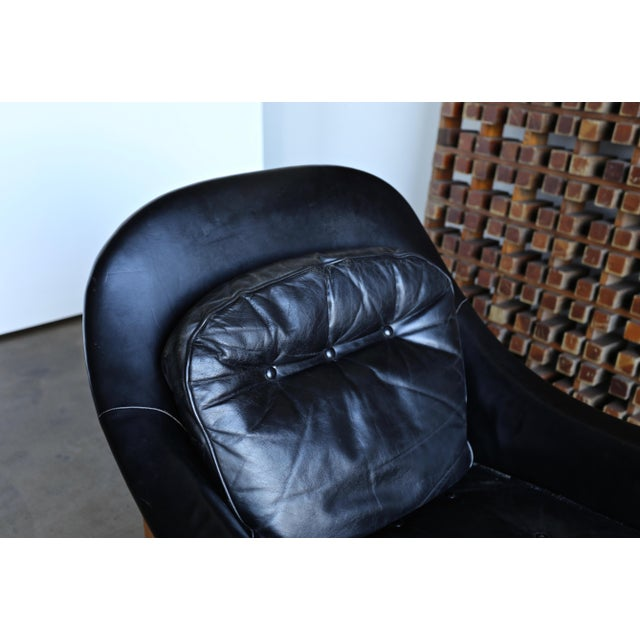 Mid-Century Modern Edward Wormley for Dunbar Leather Lounge Chair and Ottoman Circa 1957 For Sale - Image 3 of 13
