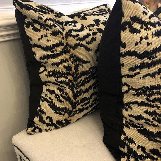 "Cowtan & Tout ""Rajah Black"" 22"" Pillows-A Pair For Sale - Image 4 of 6"