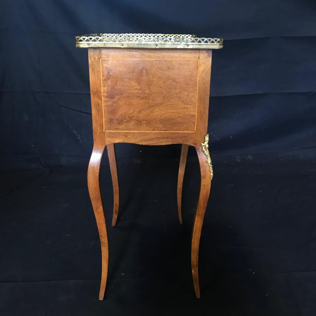 Louis XV Style Inlaid Night Stand or Side Table With Gold Fretwork For Sale In Portland, ME - Image 6 of 12