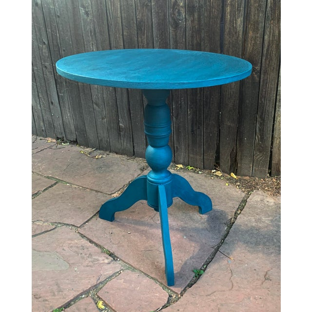 Transitional Transitional Teal Green Chalk Paint Round Pedestal Table For Sale - Image 3 of 13