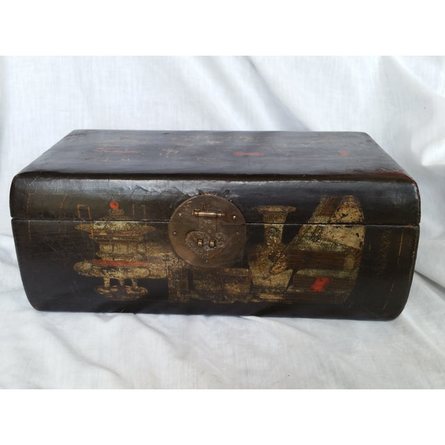 19th Century Chinoiserie Lacquer Box - Image 2 of 6