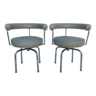 Cassina Lc7 Gray Leather Swivel Chairs - a Pair For Sale