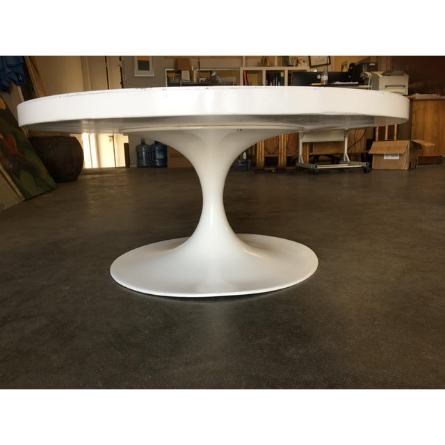 """Knoll Heavy Top 36"""" Inch Tulip Coffee Table in the Saarinen/Knoll Style For Sale - Image 4 of 10"""