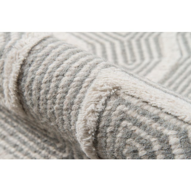 Erin Gates by Momeni Langdon Prince Grey Hand Woven Wool Area Rug - 7′6″ × 9′6″ For Sale - Image 4 of 7