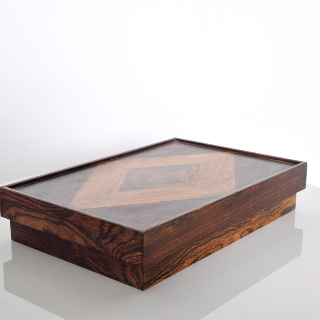 We are pleased to offer for your consideration a Medium size box by Don S Shoemaker. Beautiful geometric woodwork with...