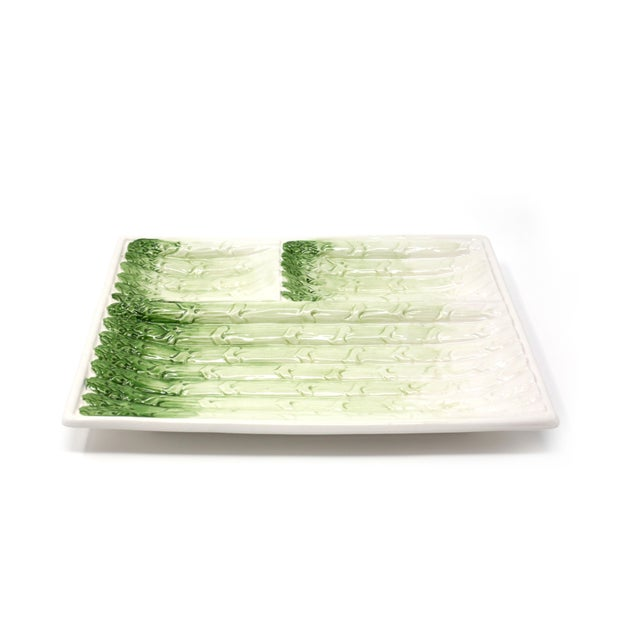 "A vintage white and green asparagus dish, in excellent condition. No chips or cracks. 10"" x 7 3/4"" x 1"" Shipping Charges..."