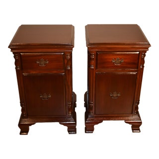 1910s English Chippendale Mahogany Nightstands Bed Side Tables - a Pair For Sale