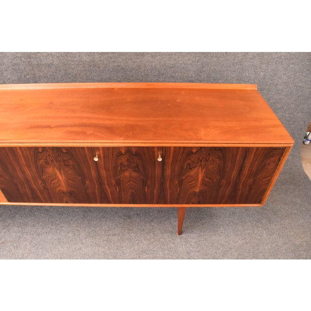 "1950s Mid-Century Modern Robert Heritage for Archie Shine Teak ""Hamilton"" Credenza For Sale In San Diego - Image 6 of 11"