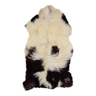 "Handmade Sheepskin Pelt - 2'6"" x 4'2"""