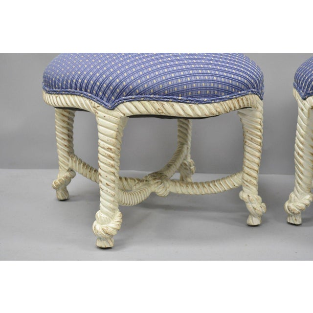 Late 20th Century Vintage Italian Hollywood Regency Rope & Knot Carved Wood Napoleon III Stools- A Pair For Sale In Philadelphia - Image 6 of 9