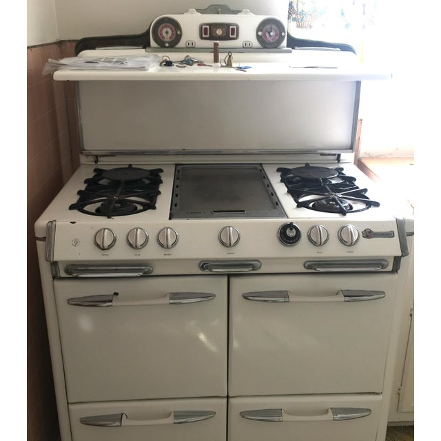 Mid-Century Modern 1950s Vintage O'Keefe & Merritt Stove With Griddle For Sale - Image 3 of 9