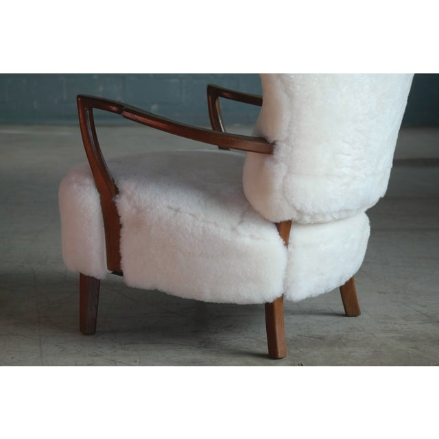 Beech Fritz Hansen Style Lounge Chair and Ottoman Covered in White Shearling Sheepskin For Sale - Image 7 of 12