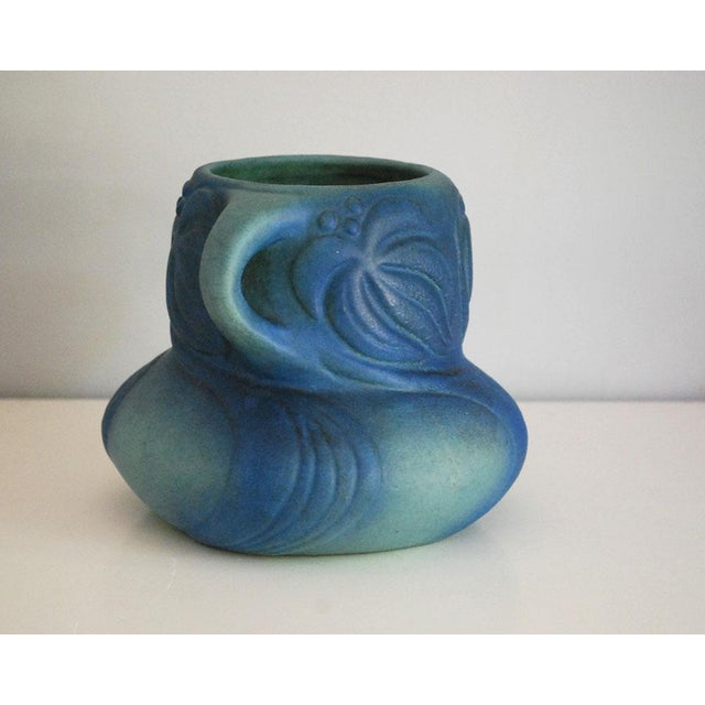 Van Briggle 1920s Van Briggle Pottery Turquoise Blue Virginia Creeper Vase For Sale - Image 4 of 10