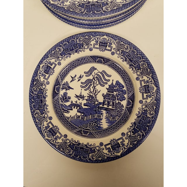 This is a classic old school pattern that never goes out of style. The plates are rendered in blue and white with a pagoda...