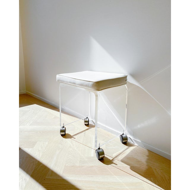 1970s Waterfall Lucite Vanity Stool For Sale - Image 4 of 7