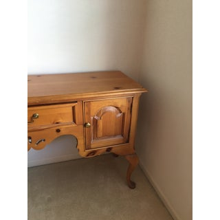 Thomasville Style Pine Welsh Sideboard Preview