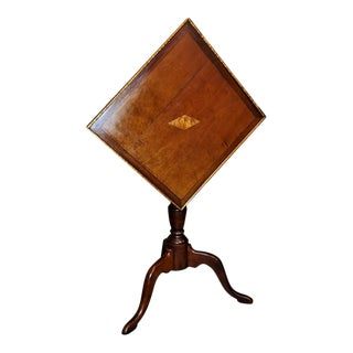 Early 19th Century American Sheraton Tilt-Top Table of Neat Proportions For Sale