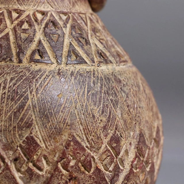 Mid 20th Century Latin American Clay Vase With Rings Handles For Sale - Image 4 of 7