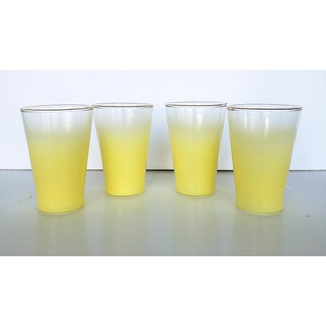 Blendo Blendo West Virgina Glass Cocktail Pitcher & Glasses - Set of 5 For Sale - Image 4 of 7