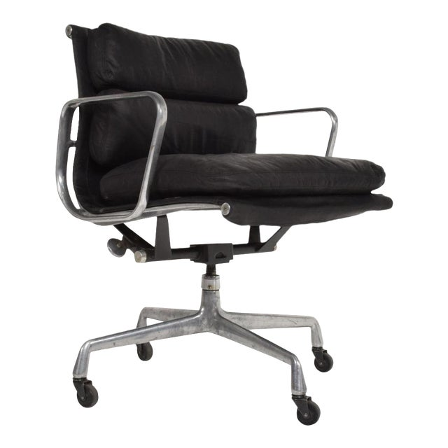 Mid-Century Modern Black Leather Aluminum Office Chair by Eames for Herman  Miller