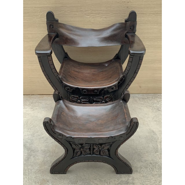 Baroque 20th Century Pair of Carved Walnut Spanish Savonarola With Foot Rest For Sale - Image 3 of 4
