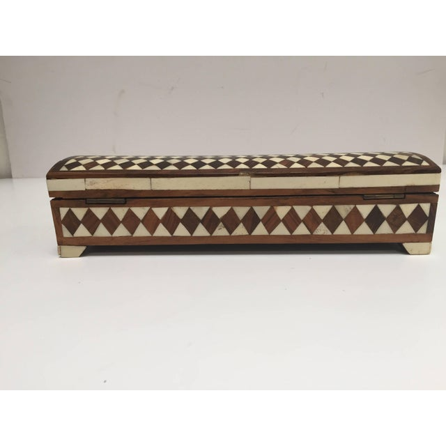 Wood Vizagapatam Anglo-Indian Rectangular Box Inlaid With Bone and Sandalwood For Sale - Image 7 of 10