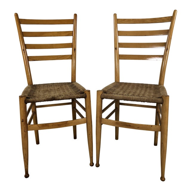 Mid-Century Italian Beech Wood Ladder Back Chairs Gio Ponti Style, Pair For Sale