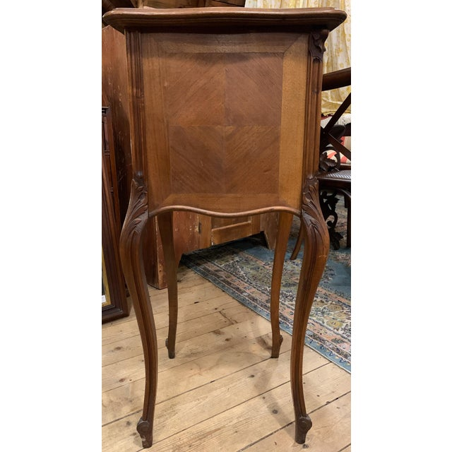 1920s French Walnut Bedside Cabinet For Sale In Boston - Image 6 of 7