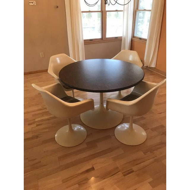 Vintage (1970s) mid-century modern tulip table & chair set in the manner of Saarinen / Burke. Please see all the photos...