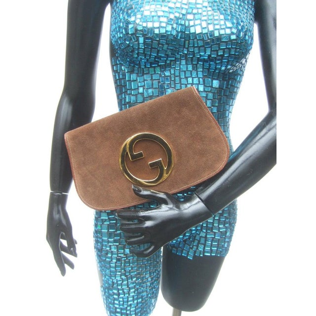1970s 1970s Gucci Italy Chocolate Brown Suede Blondie Clutch Purse For Sale - Image 5 of 11