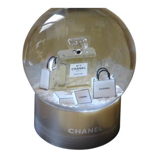 Chanel Snow Globe Dome Chanel Vip Collectible Large Perfume N° 5 Snow Globe For Sale