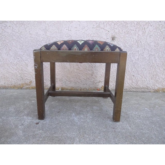Chippendale Antique Chippendale Salesman Sample Doll Footstool For Sale - Image 3 of 11