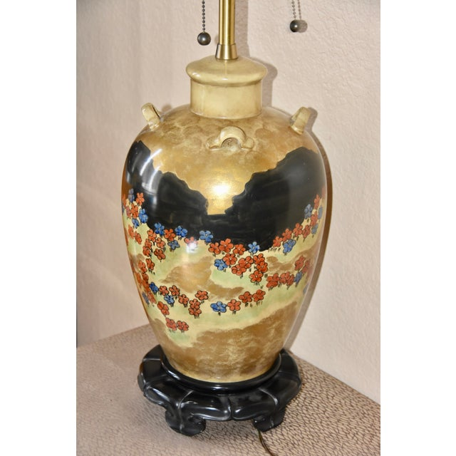 Gold Marbro Lamp Company Hand Painted Japanese Style Motif Lug Vase Table Lamp For Sale - Image 8 of 11